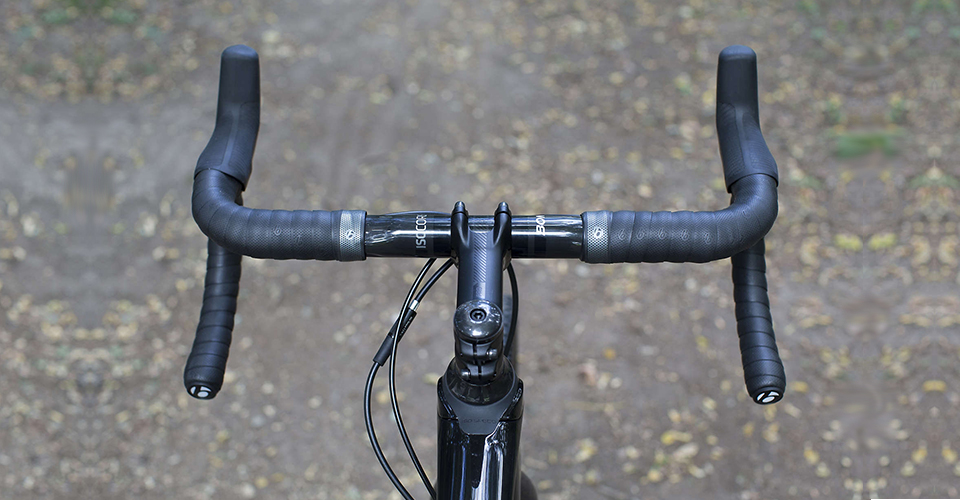 Фото руля шоссейного велосипеда